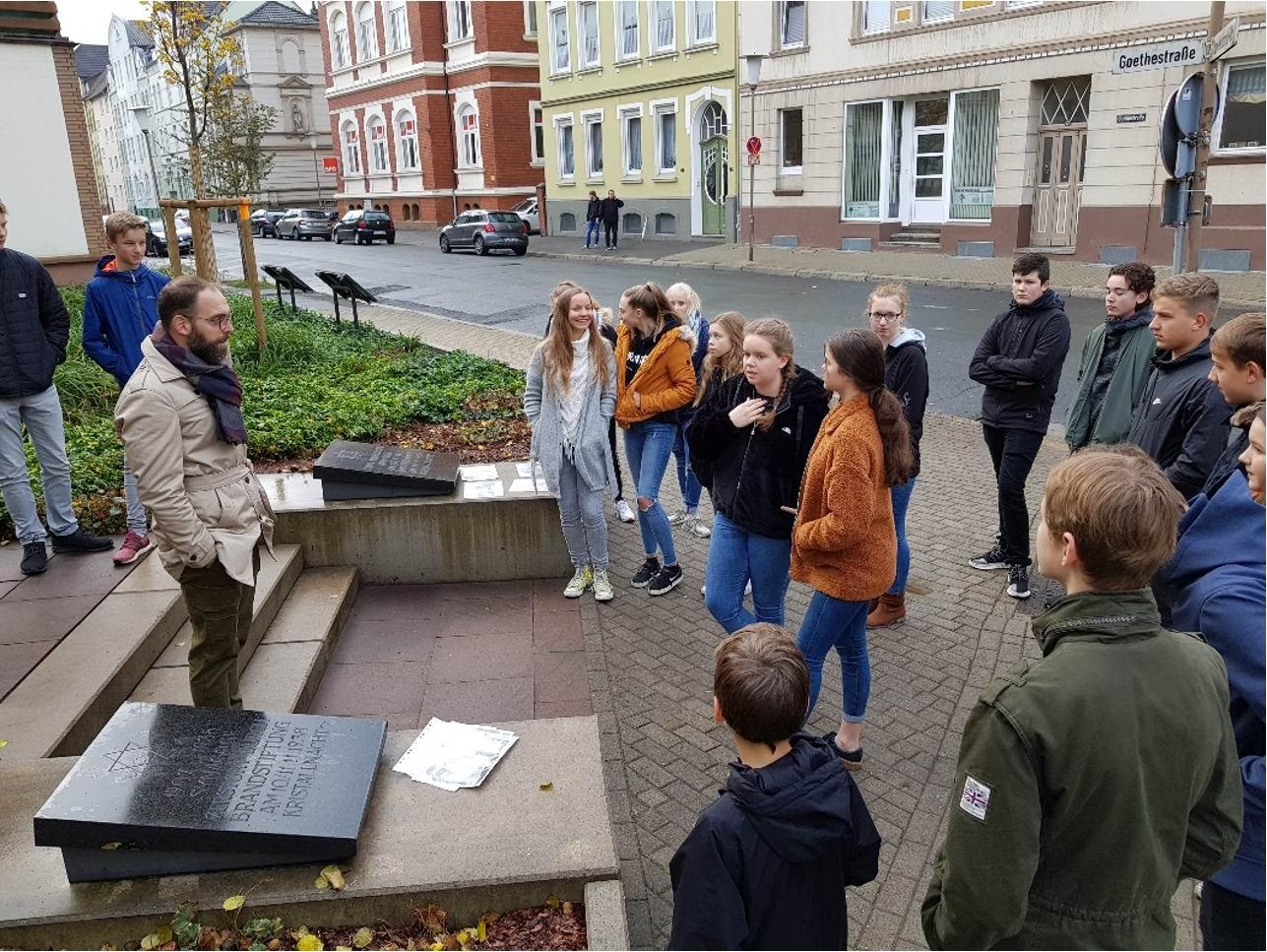 Gedenkstätte in der Hans-Marburger-Straße
