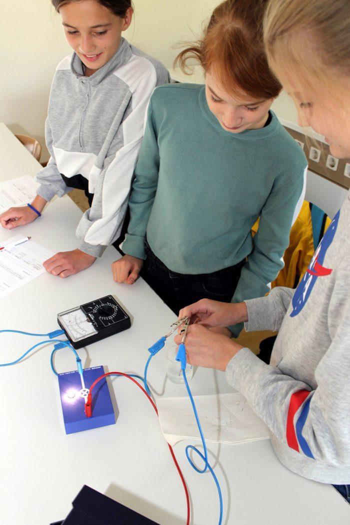 Messung der Leitfähigkeit des Wassers im Fach Physik