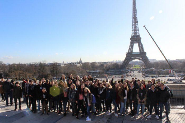Unsere SchülerInnen mit ihren AustauschpartnerInnen in Paris